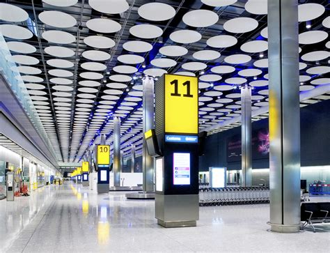 Heathrow Terminal 5 — PriestmanGoode