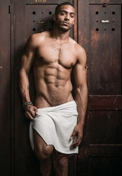 The Men Of Hollywood: Gay NFL Player Dorien Bryant - HOT
