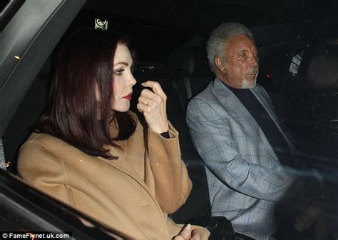Sir Tom Jones 'is dating Priscilla Presley' | Daily Mail